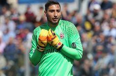 AC Milan: Donnarumma Tak Masuk Daftar Jual - https://www.football5star.com/berita/ac-milan-donnarumma-tak-masuk-daftar-jual/
