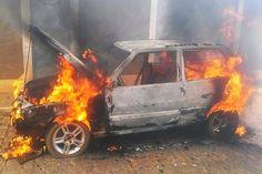 # Noticiário de Hoje #: BARRA DO MENDES: Carro pega fogo no meio da avenid...