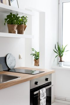 Via NordicDays.nl | Coco Lapine Design Styling | Kitchen | Green