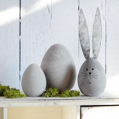 Set Ostereier Trio activities for kids outdoor Deine Suche nach Easter Tree, Easter Wreaths, Easter Eggs, Floating Tea Cup, Diy Ostern, Cement Crafts, Easter Activities, Easter Party, Egg Decorating