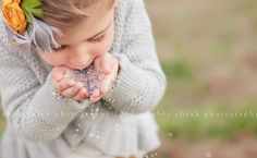 I love the angle and crop on this sweet little girl portrait by Chubby Cheek Photography! ♥ Photo Session Ideas | Props | Prop | Child Photography | Clothing Inspiration| Fashion | Pose Idea | Poses | Glitter