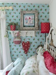 busy bee studio craft workshops shabby chic gifts vintage homeware christmas decorations craft patterns Helen Charlton