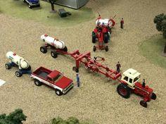 1/64 IH Chevy Diesel Trucks, Case Tractors, Toy Display, Toy House, Farm Toys, Mini Farm, Case Ih, Small Farm, Toy Trucks
