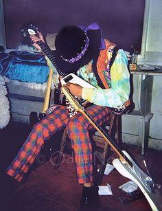 Odile Noel Gallery Jimi Hendrix tuning his guitars