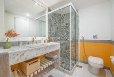Apartamento Tangerina : Banheiros modernos por Emmilia Cardoso Designers Associados