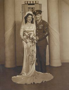 Vintage Bride and Groom    Vintage Wedding Inspiration    #TBT