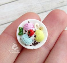 Miniature platter with ice cream. 1:12 scale. Polymer clay.