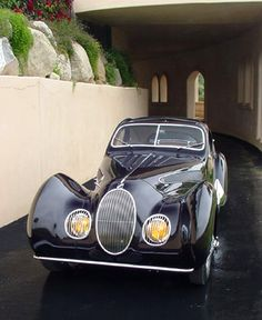 1938 Talbot Tear-Drop Coupe (body by Figoni et Falaschi-the best automotive sculptors of all time! Retro Cars, Vintage Cars, Antique Cars, Antique Clocks, Dream Cars, Matra, Automobile, Classy Cars, Love Car