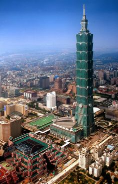 The Charms of Taiwanese Architecture Tower Building, Building Design, Beautiful Places To Travel, Wonderful Places, Taipei 101, City Road, High Rise Building, Futuristic Architecture, Skyscrapers