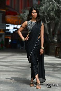 Buy designer dhoti saree and plazo saree from Fresh Look Fashion. They have large variety of pant saree, sharara saree, dhoti saree buy online and dhoti saree designs. Beautiful Girl Indian, Most Beautiful Indian Actress, Beautiful Saree, Dhoti Saree, Saree Dress, Saris, Indian Dresses, Indian Outfits, Look Fashion