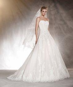 PRONOVIAS - Aloha - Vestido de novia en encaje, bordado y volumen en la falda