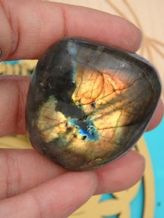 DELIGHTFUL GOLDEN FLASH LABRADORITE PALM STONE For Sale   Stone of Mystic Vision!