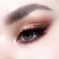 Best Inspiration Mate Makeup: Augen Make-up Fashion Inspire Prom Makeup, Girls Makeup, Eyebrow Makeup, Skin Makeup, Eyeshadow Makeup, Bronze Eyeshadow, Bronze Makeup, Clown Makeup, Makeup Goals