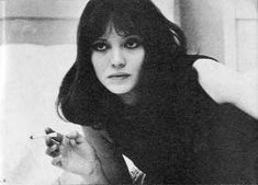 Anna Karina in Alphaville. Anna Karina in Alphaville. Anna Karina, Exene Cervenka, French New Wave, French Bob, Style Parisienne, Classic Actresses, Film Stills, Old Hollywood, Style Icons