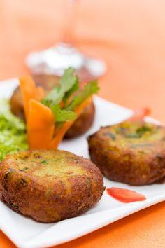 Veg Table (安塔那那利佛) - 餐廳/美食評論 - TripAdvisor Baked Potato, Restaurant, Tattoo, Baking, Ethnic Recipes, Food, Diner Restaurant, Bakken, Essen