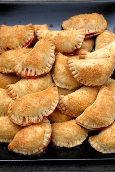Easy recipe for homemade rhubarb and strawberry empanadas. These sweet dessert empanadas or turnovers are filled with rhubarb and strawberry. Mexican Sweet Breads, Mexican Food Recipes, Sweet Recipes, Dessert Recipes, Masa Recipes, Diabetic Recipes, Healthy Recipes, Rhubarb Recipes, Strawberry Recipes