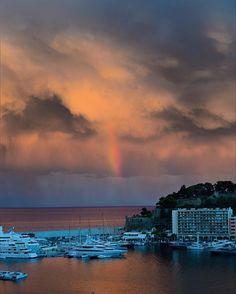 #Fontvieille Rainbow & freakish light over the Mediterranean. #travels #travelpic #traveltheworld #travelphotography #travelphoto #traveller #riviera #montecarlo #monaco #mediterranean #streetphoto #streetphotographer #streetshot #streetphotographers #skyphotography #sky_captures #skylovers #rainbows #stormy #ig_travel #ig_street #ig_sky #port #insta_travel #insta_street #frenchriviera by aerosenphoto from #Montecarlo #Monaco
