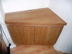 alcove oak cabinet in splayed opening Alcove Tv Unit, Alcove Desk, Alcove Storage, Corner Tv Cabinets, Alcove Cupboards, Built In Cupboards, Alcove Ideas Living Room, Living Room Shelves, Room Ideas
