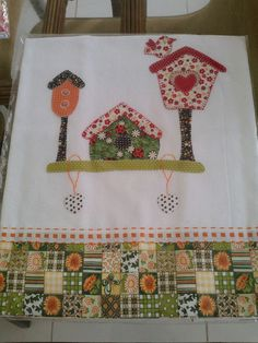 Appliqued towel - pano-de-prato casa-passarinho by Ro-Aguiar, via Flickr