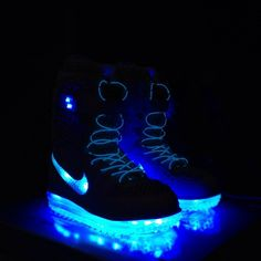 For all those after dark runs - Nike Shoeshine Snowboarding Boots