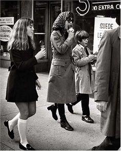 Jackie, Caroline and John John