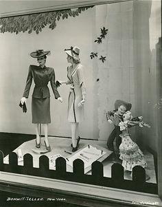 Simple dreams — bonwit-teller window display, new york, Vintage Store Displays, Store Window Displays, Vintage Stores, Retail Displays, Shop Displays, Display Windows, Fashion Window Display, Mannequin Display, Window Shopper