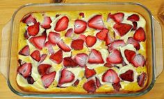 Strawberry-Cheesecake-Cobbler-by-realhealthyrecipes
