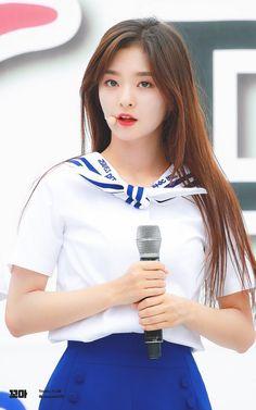South Korean Girls, Korean Girl Groups, Cute Girls, Cool Girl, Beautiful Freckles, Chinese Actress, Beautiful Actresses, Girl Crushes, Kpop Girls