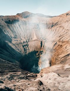 Malang is a city with a comfortable climate in the higher parts of East-Java. Malang is the stopover before Bromo. See the Things To Do in Malang. Bali Waterfalls, Beautiful Waterfalls, 3 Days Trip, Bali Honeymoon, Bali Travel Guide, Malang, Beautiful Islands, Beautiful Places, Day Tours