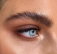 Growing Out Your Eyebrows: How To Do It Properly Augenbrauen Tutorial Pic: Natural Eyebrows, Thick Eyebrows, Natural Makeup, Bushy Eyebrows, Makeup Tips, Beauty Makeup, Hair Beauty, Eyeliner, How To Grow Eyebrows