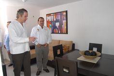 """El gobernador Javier Duarte de Ochoa dio un recorrido por las  viviendas del conjunto habitacional """"Arboledas San Miguel"""""""