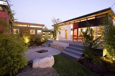 Modern Prefabricated Homes for the Risk Area of Disaster : Contemporary Modern Prefabricated Homes With Small Garden Design Idea
