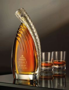 Dewar's Legacy blended whisky – hand-blown crystal decanter with 22 carat gold decoration Cigars And Whiskey, Scotch Whiskey, Bourbon Whiskey, Alcohol Bottles, Liquor Bottles, Drink Bottles, Spirit Drink, Bottle Packaging, Wine And Spirits