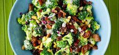 Bilde av brokkolisalat Fresh Corn Salad, Summer Corn Salad, Corn Avocado Salad, Easy Summer Salads, Corn Salads, Quinoa Salad Recipes, Summer Salad Recipes, Mexican Quinoa Salad, Main Dish Salads