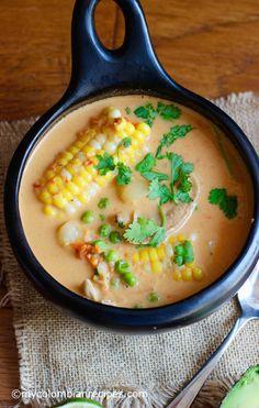 Cazuela de Pollo y Coco (Chicken and Coconut Soup) Colombian Cuisine, Colombian Recipes, Healthy Soup, Healthy Recipes, Soup Recipes, Chicken Recipes, Coconut Soup, Hot Soup, Gourmet