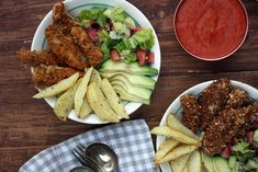 There are 4 components to these schnitzel bowls - almond crusted chicken schnitzel, salad, roasted chili tomato sauce and potato wedges. It makes a delicious dinner or meal prep idea. This recipe is: -Dairy Free - Gluten Free -Wheat Free -No added Sugar Almond Crusted Chicken, Chicken Schnitzel, Dairy Free, Gluten Free, Create A Recipe, Potato Wedges, What's Cooking, What To Cook, Meals For The Week