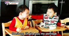 Daehan sharing his porridge with Minguk who is crying because appa ate all the porridge Ki Tae Young, Superman Kids, I Miss You Guys, Song Daehan, Song Triplets, Korean Shows, Park Bo Young, Love Park, Cute Disney Wallpaper