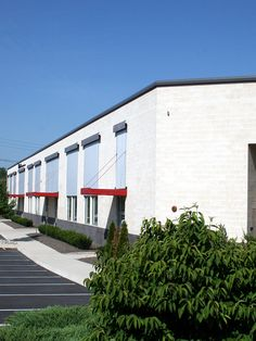 Capital West Business Center features smooth face masonry in Cream and Charcoal.