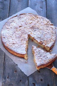 On Dine chez Nanou | Tarte à la ricotta , au citron et aux amandes |           Cette recette de Donna Hay me tentait depuis un moment car j'aime beaucoup utiliser l...