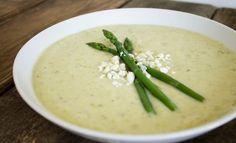Creamy Potato Pesto and Asparagus Soup Pesto Potatoes, Artichoke Soup, Creamed Asparagus, Weight Watchers Soup, Potato Vegetable, Slow Cooker Soup, Cheese Soup, Soup Recipes, Paleo