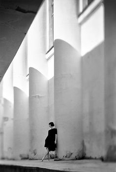 noir-d-amour:© Eugene Suo-me Passion Photography, Minimal Photography, Street Photography, Portrait Photography, Black N White Images, Black And White Portraits, Black And White Photography, Dramatic Lighting, Shades Of Grey