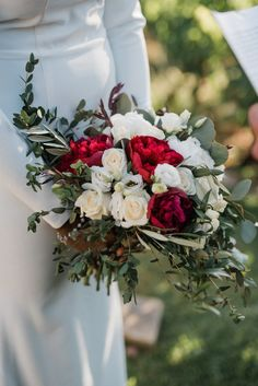 Elegant Micro Wedding of Maggie and Zachary at the Winery in Crete Wedding Flower Decorations, Wedding Bouquets, Wedding Flowers, Countryside Wedding, Tears Of Joy, Vineyard Wedding, Princess Wedding, Beautiful Bride, Wedding Ceremony