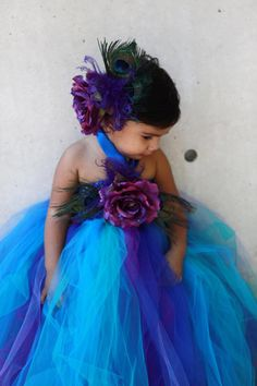 peacock Tutu Dress. Defintiely going to get these colors in Tulle so I can make one of these for my daughter!!!