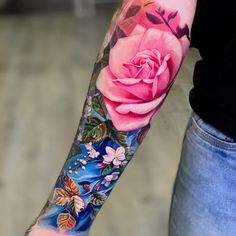 Discover new beginnings with the beauty of the best lotus flower tattoo designs for men. Explore cool floral ink ideas from sleeves to small pieces. Cute Tattoos, Beautiful Tattoos, Black Tattoos, Body Art Tattoos, New Tattoos, Nature Tattoos, Tattoo Model Mann, Tattoo Models, Rose Tattoos For Women