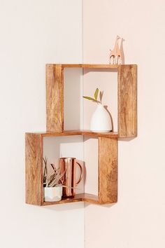 Inexpensive Floating wall shelves living room ideas,Best floating shelves for bedroom and White floating shelves in living room. Corner Shelving Unit, Diy Corner Shelf, Corner Wall Decor, Corner Shelves Living Room, Room Corner, Kitchen Corner, Room Shelves, Circle Wall Shelf, Wood Wall Shelf