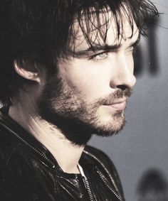 bearded Ian Somerhalder. oh goodness. AAHHHHHHH love him!