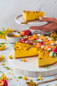 This is truly the most perfect and easy no-bake mango cake recipe made with a simple cookie crust, creamy vegan cheesecake layer and passion fruit topping. It's lightly sweet, perfectly refreshing, so Easy Chocolate Desserts, Chocolate Cake Recipe Easy, Vegan Desserts, Chocolate Art, Health Desserts, Plated Desserts, Bolo Vegan, Vegan Cake, Easy Vanilla Cake Recipe