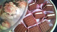 Biscuit with almond cream Almond Cream, Waffles, Biscuits, Breakfast, Food, Crack Crackers, Meal, Cookie Recipes, Eten