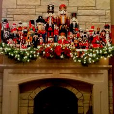 Nutcracker collection/My Mom has  a nutcracker collection/ will have to try this decoration for Christmas Christmas Morning, Christmas 2016, Merry Christmas, Christmas Crafts, Xmas, Nutcracker Decor, Nutcracker Sweet, Christmas Fireplace Mantels, Happy Holidays