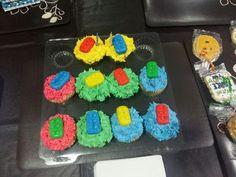 Surprise party Lego cupcakes